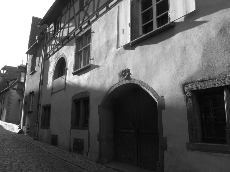 Evening sunlight in Riquewihr